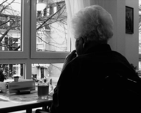 Maltraitance d'une personne âgée, que faire?